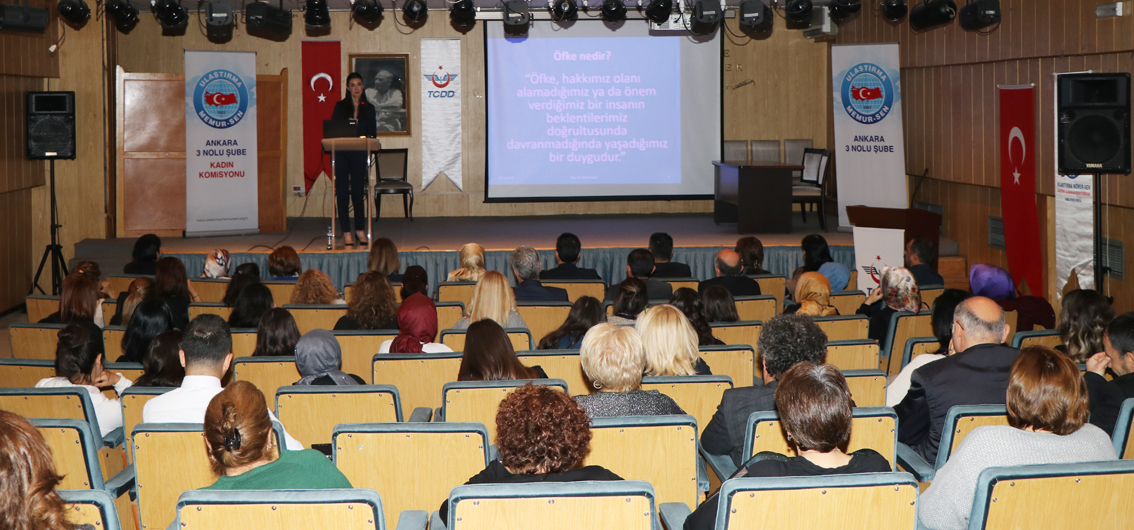"""Kadın Komisyonumuzdan """"Kadına Şiddetle Mücadele"""" konferansı"""
