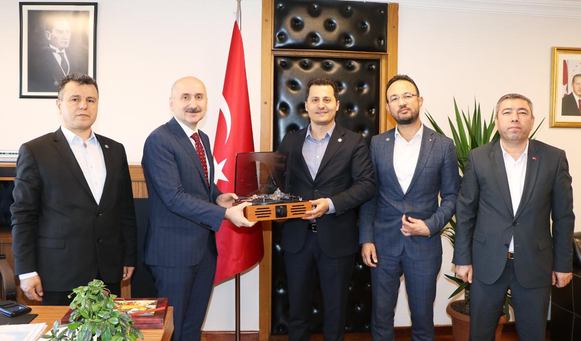 Ulaştırma Memur-Sen'den, Ulaştırma ve Altyapı Bakan Yardımcısı Adil Karaismailoğlu'na tebrik ziyareti