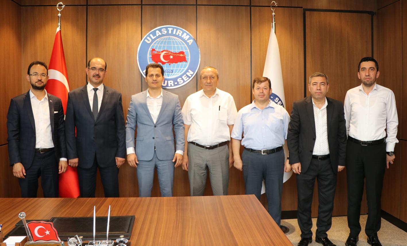 TCDD Taşımacılık A.Ş. Yolcu Dairesi Başkan Yardımcısı Erhan Tepe'den Sendikamıza tebrik ziyareti