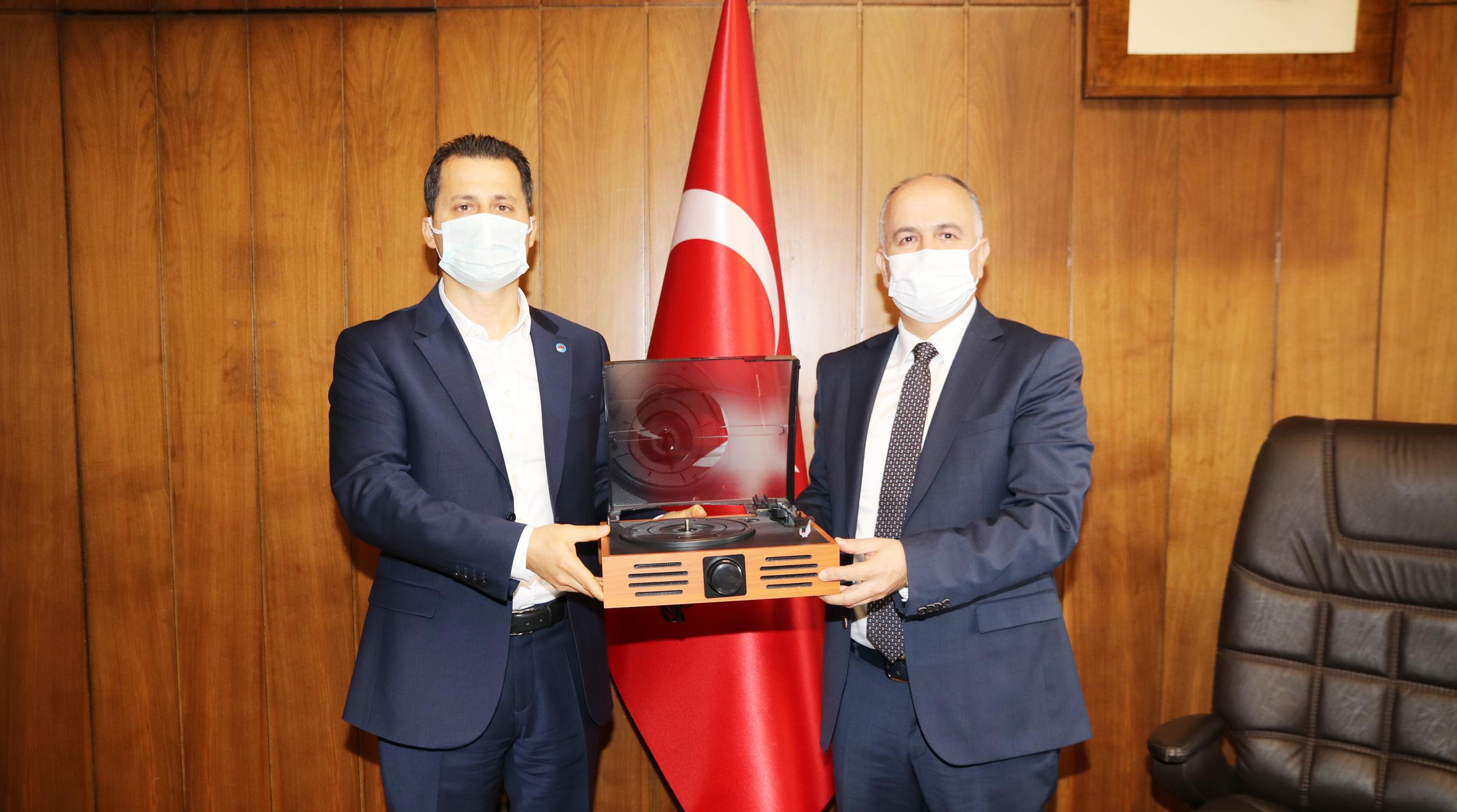 Genel Başkan Çalışkan'dan, TCDD Taşımacılık A.Ş. Genel Müdürü Hasan Pezük'e hayırlı olsun ziyareti